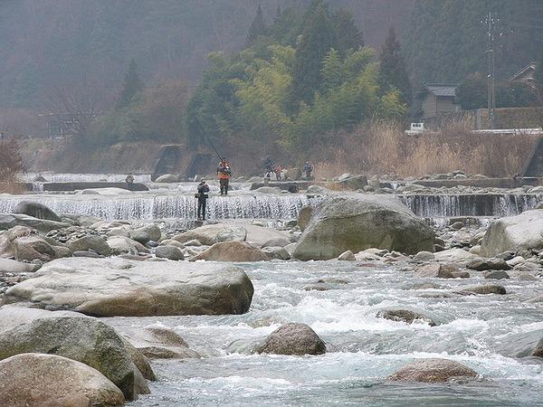 3月12日のてくてく中津川は・・・?中津川市内の川の水も温み...。渓流釣りのシーズン到来! border=