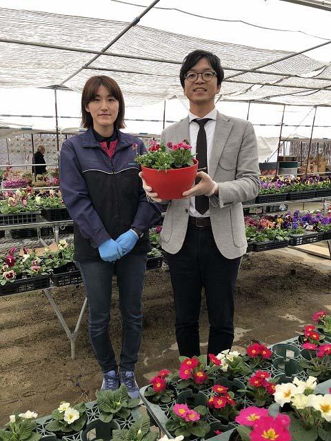1月10日(木)のてくてく岐阜歩き中津川は...?マイクをスコップに持ち替えて、花の寄せ植え初体験! border=